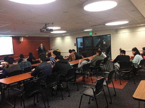 吴律师举办移民法校园巡回讲座
